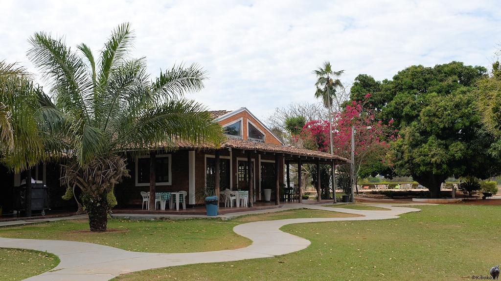 Restaurantgebäude im Garten der Pousada